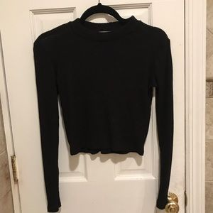 Black Long Sleeve Crop Top